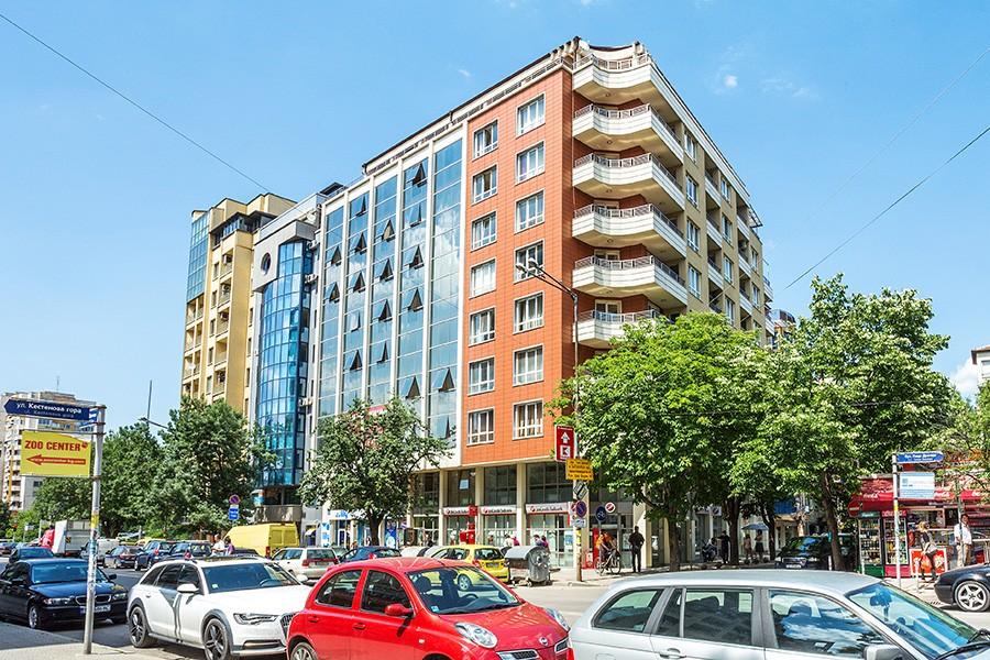 Офисно-жилищна сграда  бул. Гоце Делчев 105  кв. Стрелбище